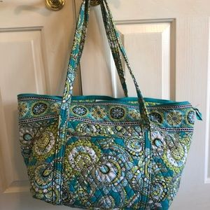 Vera Bradley Tote, different color greens💚❗️